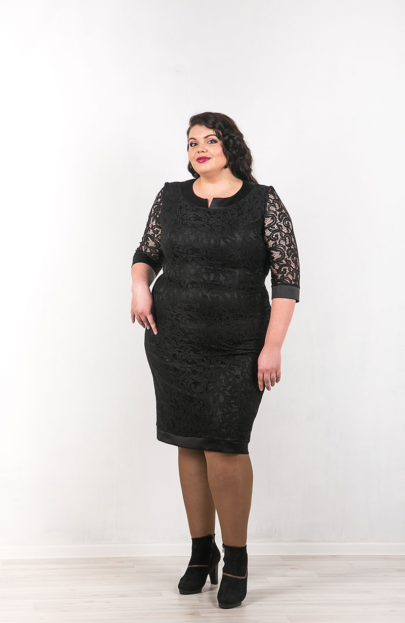 Кружевное черное платье